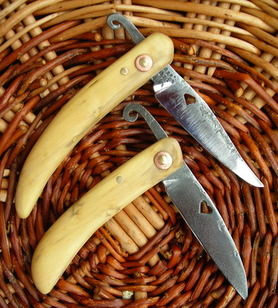 Boxwood handle friction folding knife