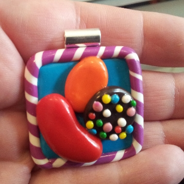 Candy Crush Saga (Facebook) Pendant