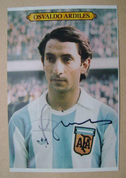 Osvaldo Ardiles autograph