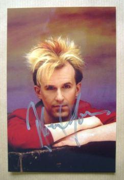 Howard Jones autograph