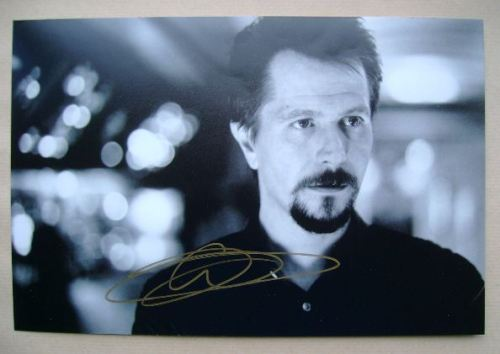 Gary Oldman autograph (hand-signed photograph)