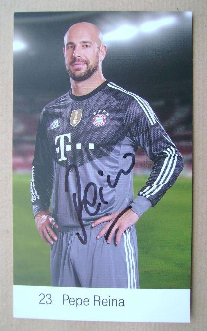 Pepe Reina autograph