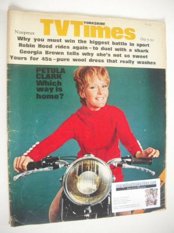 <!--1968-10-05-->TV Times magazine - Petula Clark cover (5-11 October 1968)