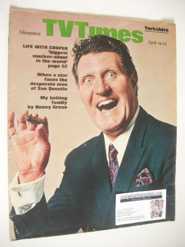 <!--1969-04-19-->TV Times magazine - Tommy Cooper cover (19-25 April 1969)