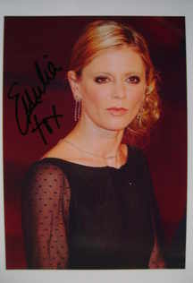 Emilia Fox autograph (hand-signed photograph)