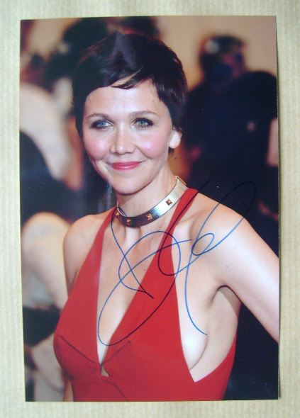 Maggie Gyllenhaal autograph (hand-signed photograph)