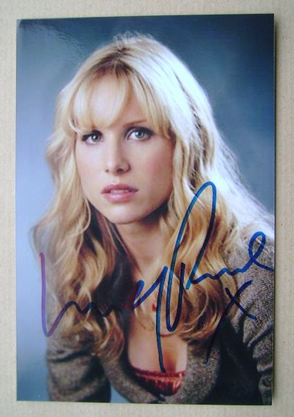 Lucy Punch autograph (hand-signed photograph)
