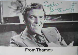 Eamonn Andrews autograph (hand-signed photograph)