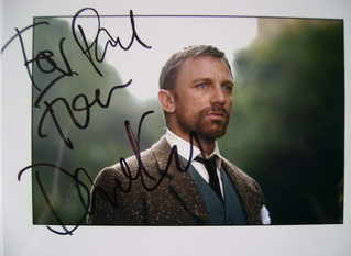 Daniel Craig autograph (hand-signed photograph, dedicated)