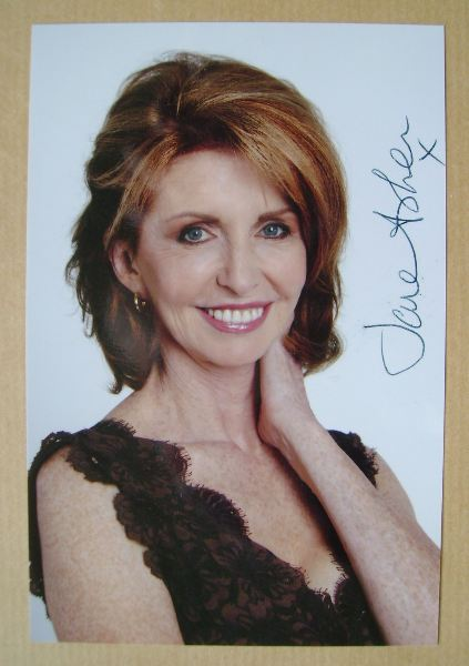 Jane Asher autograph (hand-signed photograph)