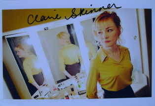 Claire Skinner autograph (hand-signed photograph)