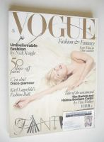 <!--2008-12-->British Vogue magazine - December 2008 - Kate Moss cover