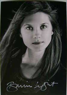 Bonnie Wright signed photo - autograph