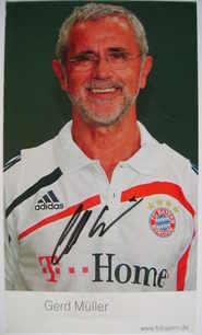 Gerd Muller autograph