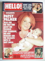 <!--2001-08-28-->Hello! magazine - Patsy Palmer cover (28 August 2001 - Issue 677)