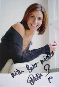 Julia Bradbury autograph