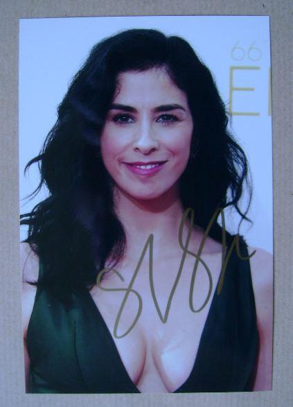 Sarah Silverman autograph (hand-signed photograph)