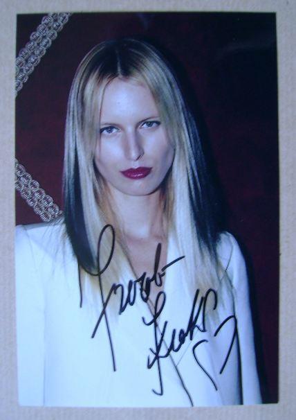 Karolina Kurkova autograph (hand-signed photograph)