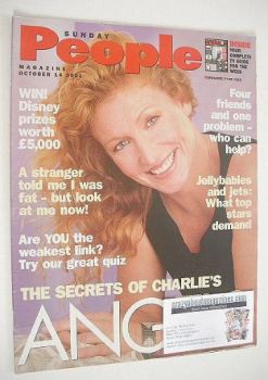 Sunday People magazine - 14 October 2001 - Charlie Dimmock cover