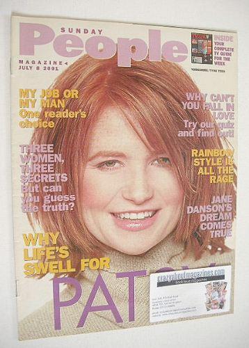 <!--2001-07-08-->Sunday People magazine - 8 July 2001 - Patsy Palmer cover