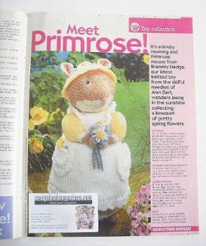 Brambly Hedge Primrose mouse toy to knit (designed by Alan Dart)