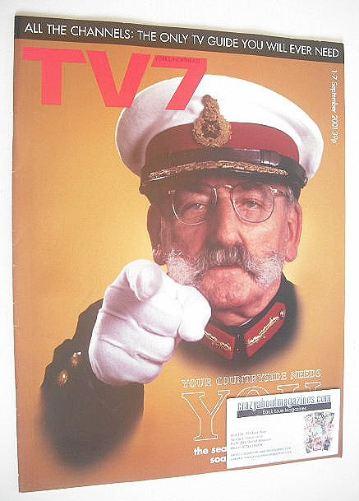 <!--2001-09-01-->TV7 magazine - 1-7 September 2001 - Stan Richards cover