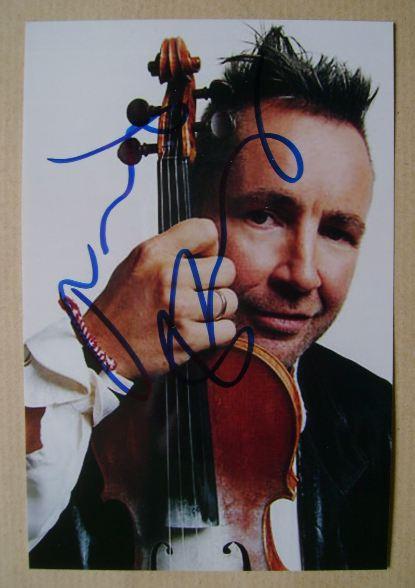 Nigel Kennedy autograph