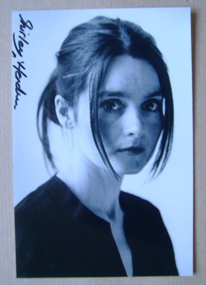 Shirley Henderson autograph (hand-signed photograph)
