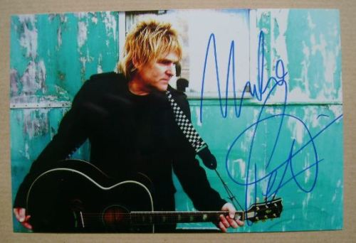 Mike Peters autograph