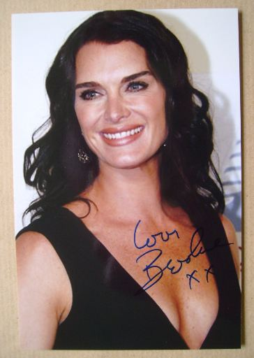 Brooke Shields autograph (hand-signed photograph)