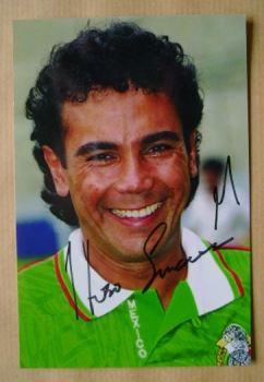 Hugo Sanchez autograph