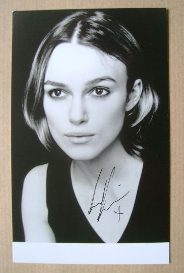 Keira Knightley autograph (hand-signed photograph)