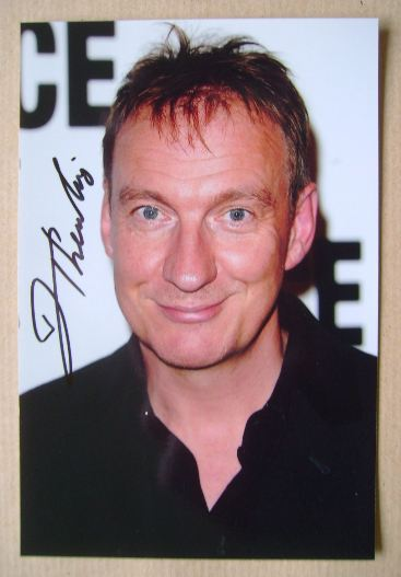 David Thewlis autograph (hand-signed photograph)