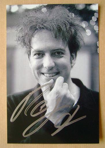 Robert Smith autograph