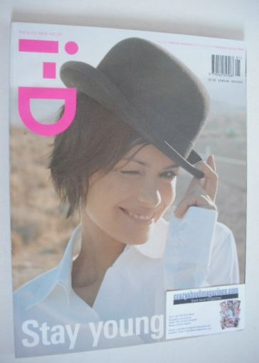<!--2003-01-->i-D magazine - Shannyn Sossamon cover (January 2003)