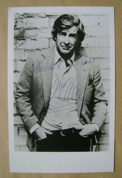 Dave Allen autograph