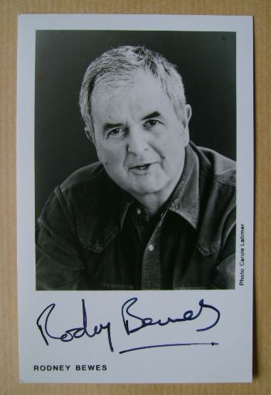 Rodney Bewes autograph
