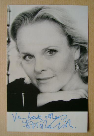 Sheila Gish autograph