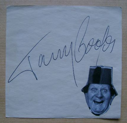 Tommy Cooper autograph (hand-signed piece of paper)