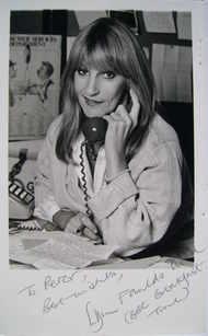 Lynn Faulds Wood autograph