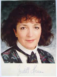 Judith Hann autograph