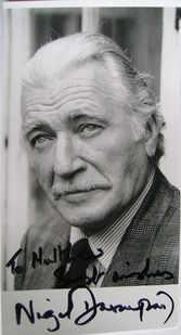 Nigel Davenport autograph