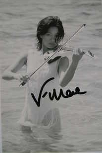 Vanessa Mae autograph