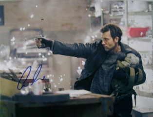 Clive Owen autograph (hand-signed photograph)