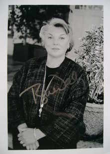 Tyne Daly autograph