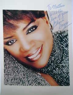 Gloria Gaynor autograph