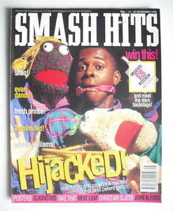 <!--1993-11-10-->Smash Hits magazine - Andi Peters cover (10-23 November 19