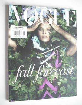 <!--2010-06-->Vogue Italia magazine - June 2010 - Eva Herzigova cover