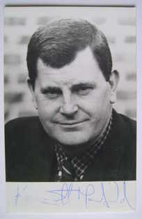 Kenneth MacDonald autograph