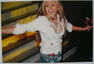 Nikki Grahame autograph